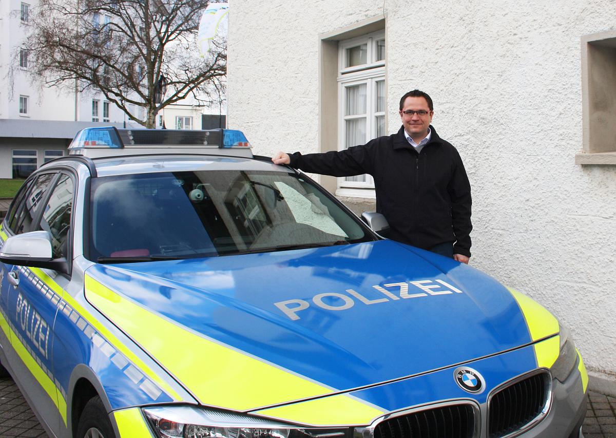 Polizeibeamten kennenlernen
