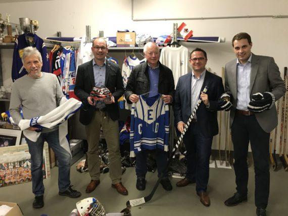 CDU-Fraktion besucht Eishockey-Museumskeller