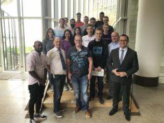 Auszubildende von Werkzeugtechnik Plettenberg besuchen Landtag
